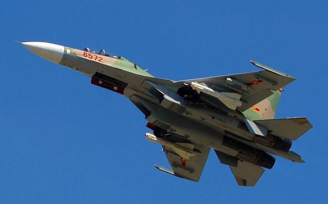 Việt Nam có nên sử dụng cả Su-30SM lẫn Su-35S như Không quân Nga?