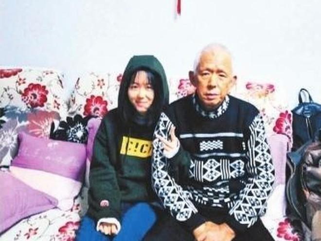 Cô bé 14 tuổi ngày nào cũng ăn thịt mỡ để chóng béo, đằng sau là câu chuyện lấy đi nước mắt của hàng triệu người - Ảnh 4.
