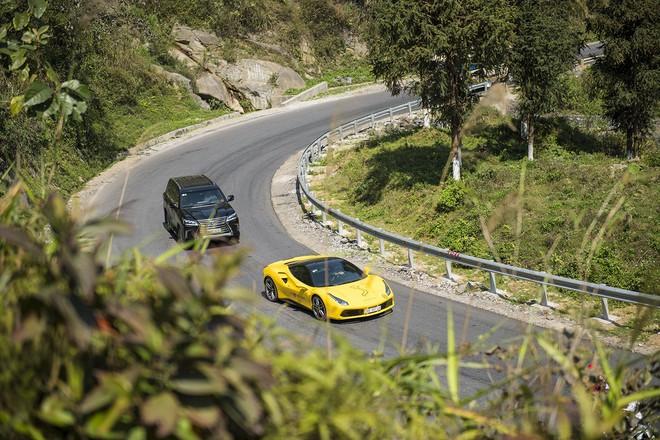 Mãn nhãn xem dàn siêu xe Car & Passion 2018 ôm cua tay áo vượt Ô Quy Hồ - Ảnh 3.