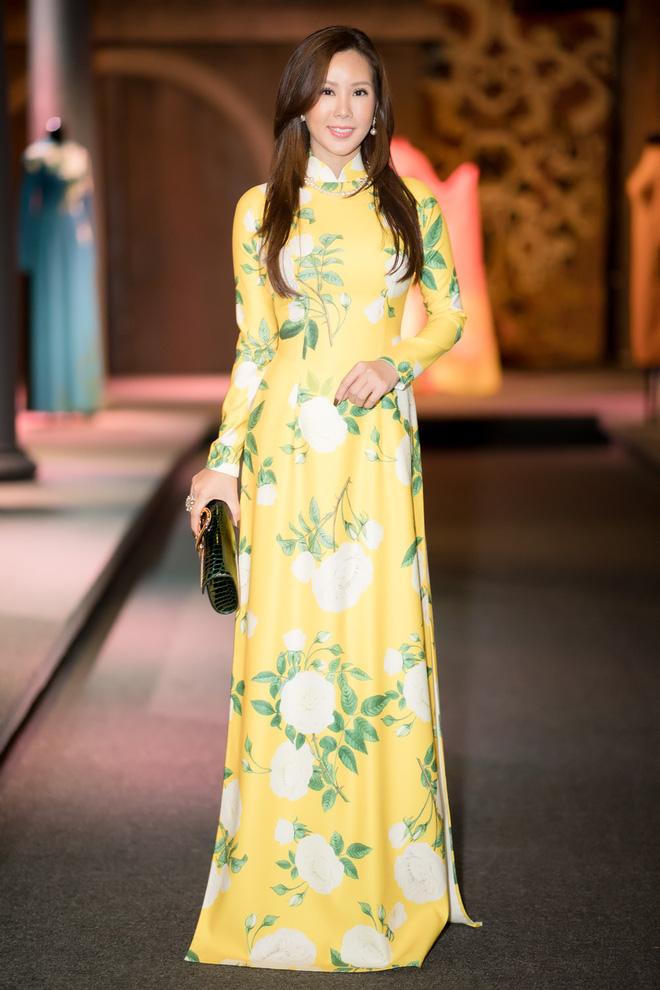 Bà mẹ 3 con Thu Hoài nổi bật, tự tin đọ sắc cùng Thùy Dung - Ảnh 1.