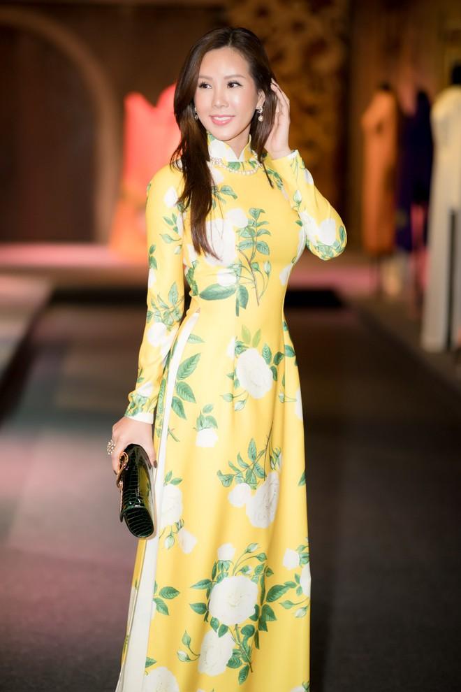 Bà mẹ 3 con Thu Hoài nổi bật, tự tin đọ sắc cùng Thùy Dung - Ảnh 2.