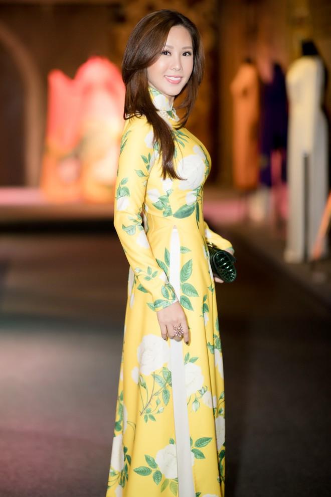 Bà mẹ 3 con Thu Hoài nổi bật, tự tin đọ sắc cùng Thùy Dung - Ảnh 3.