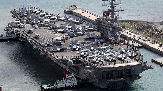 Cận cảnh những tàu sân bay cùng lớp với USS Carl Vinson sắp thăm Việt Nam - Ảnh 16.