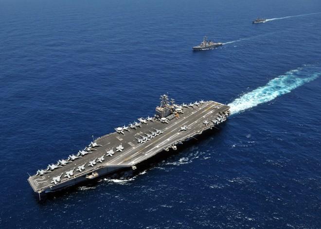 Cận cảnh những tàu sân bay cùng lớp với USS Carl Vinson sắp thăm Việt Nam - Ảnh 7.