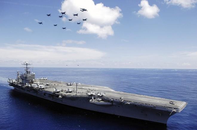 Cận cảnh những tàu sân bay cùng lớp với USS Carl Vinson sắp thăm Việt Nam - Ảnh 8.