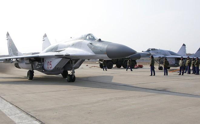 """Tại sao tiêm kích MiG-29SMT Nga vừa """"lấp ló"""" ở Syria lại vội vã rút về?"""
