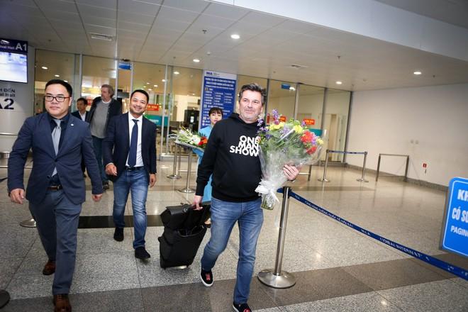 Giọng nam chính ban nhạc Modern Talking trở lại Hà Nội, phát tướng hơn 2 năm trước - Ảnh 4.