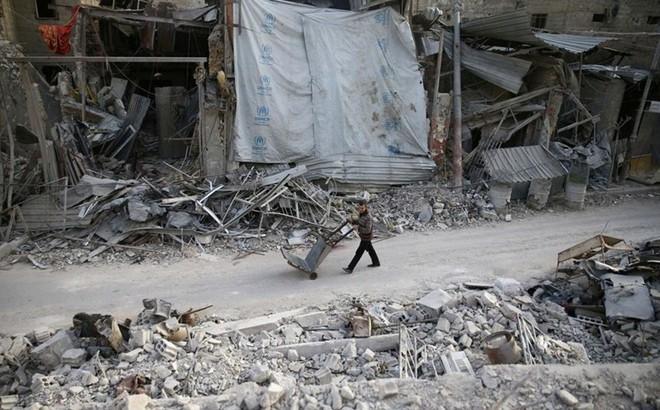 """Nga """"dụ"""" phiến quân Syria rút khỏi Đông Ghouta"""