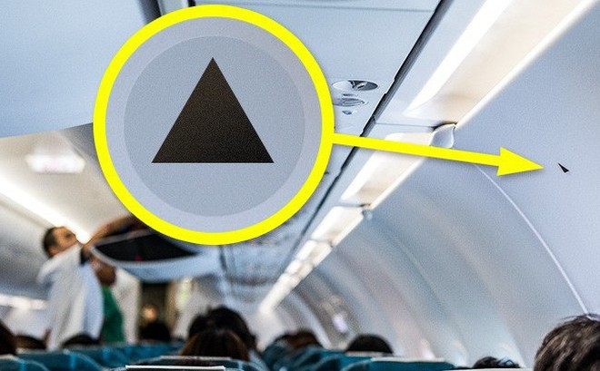 Đi máy bay nếu chỗ ngồi của bạn ở vị trí có ký hiệu hình tam giác màu đen này thì bạn rất may mắn nhé