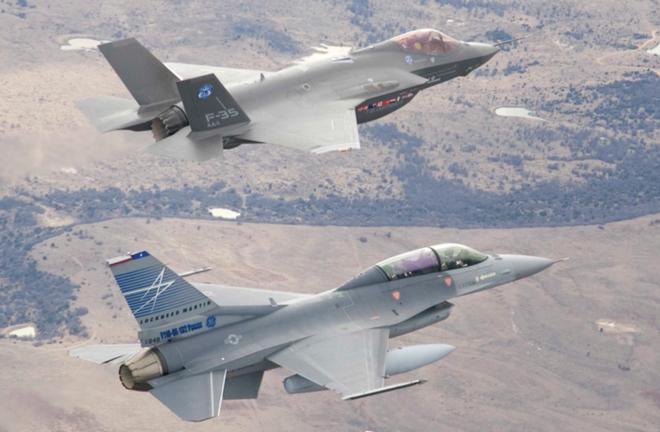 F-35 có thể đánh bại Su-57 mà không tốn một viên đạn: Tại sao? - Ảnh 1.