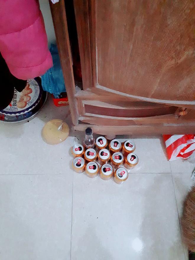 Bà cụ 95 tuổi mê uống nước tăng lực, nghiện đến nỗi ai đến nhà cũng mua làm quà - Ảnh 2.