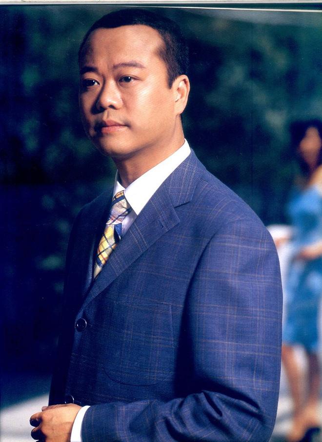 Tài tử Hong Kong Âu Dương Chấn Hoa hết thời đi hát ở tỉnh lẻ và quảng cáo đồ gia dụng - Ảnh 1.