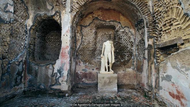 Đi thám hiểm ngay bởi Baia - thành phố tội lỗi của La Mã chìm sâu dưới đáy biển sắp bị đóng cửa - Ảnh 7.