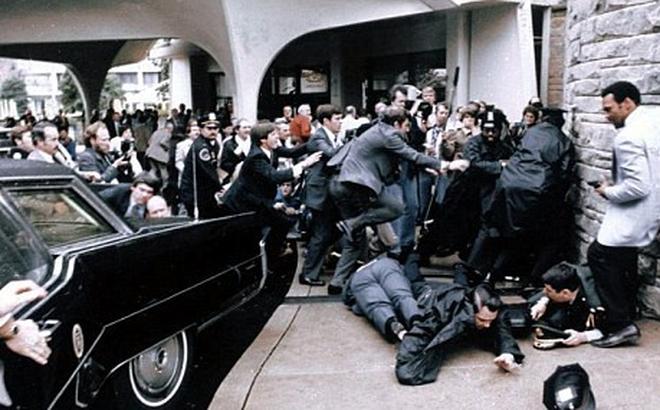 Vụ ám sát TT Ronald Reagan: Hung thủ quá si tình, giết người để lấy lòng bạn gái?