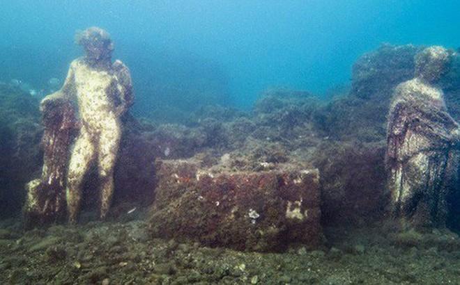 Đi thám hiểm ngay bởi Baia - thành phố tội lỗi của La Mã chìm sâu dưới đáy biển sắp bị đóng cửa