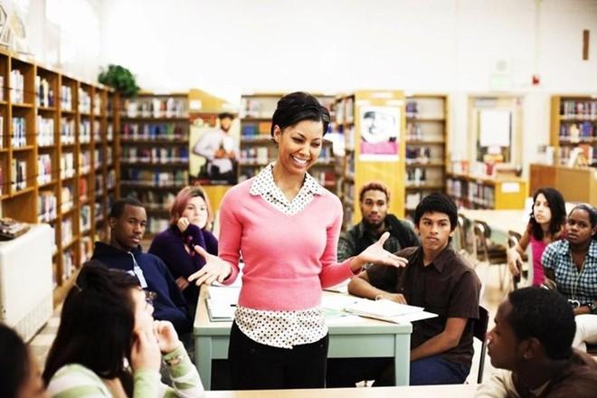 Bỏ dần thi cử, điểm số không phải thứ quan trọng nhất: Các nước trên thế giới đang giúp học sinh giảm áp lực học hành như thế nào? - Ảnh 1.