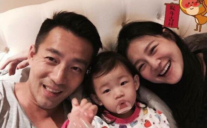 Đang ở Việt Nam, ông xã Từ Hy Viên chính thức lên tiếng về việc vợ mang bầu quý tử ở tuổi 42