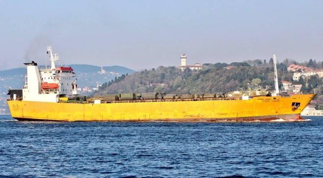 Rò rỉ ảnh tàu Nga đưa khí tài hiếm thấy và nhạy cảm tới Syria trong tình hình nóng - Ảnh 2.