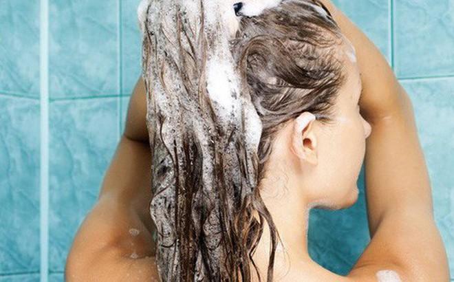 Bạn đang gội đầu đúng cách hay đang giết dần mái tóc của mình?