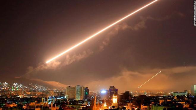 Thiếu tướng Hoàng Kiền: Vụ tấn công của Mỹ-Anh-Pháp đã bị bẻ gẫy - Thắng lợi của Nga và Syria - Ảnh 2.