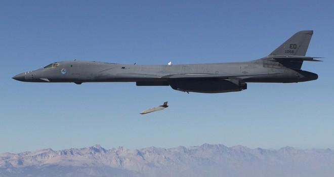 Vì sao máy bay ném bom tàng hình B-2 vắng mặt trong cuộc tấn công Syria? - Ảnh 2.