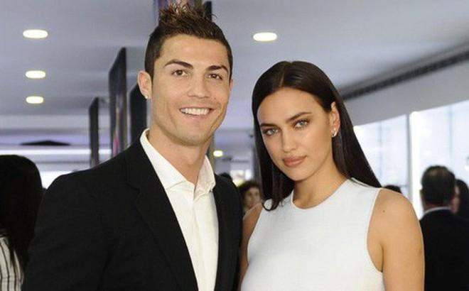 """""""Ronaldo vẫn yêu tha thiết tình cũ Irina Shayk"""""""