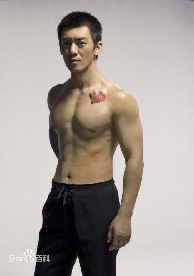 Nhậm Thiên Dã: Chiến binh thiện nghệ, ông hoàng dòng phim quân sự truyền hình Trung Quốc - Ảnh 3.