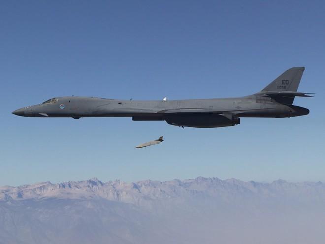 Lộ rõ thông điệp của Mỹ đánh Syria: Nga chỉ đánh chặn được các tên lửa đời cũ mà thôi - Ảnh 3.