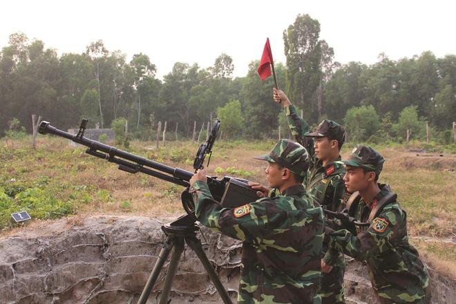 Dùng súng máy 12 ly 7 bắn tên lửa hành trình Tomahawk: Quyết không được sợ - Ảnh 2.