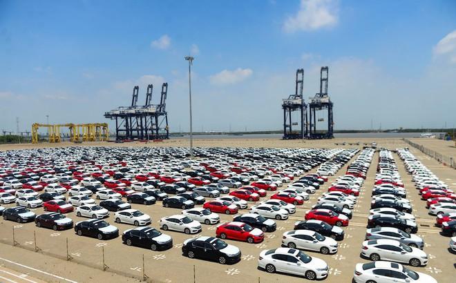Thuế về 0%, giá ô tô vẫn tiếp tục leo thang: Tan giấc mơ xe