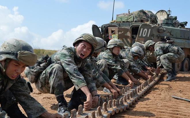 Ông Tập muốn lăng xê hình ảnh quân đội: Lính Trung Quốc phải giảm cân, không có bụng phệ