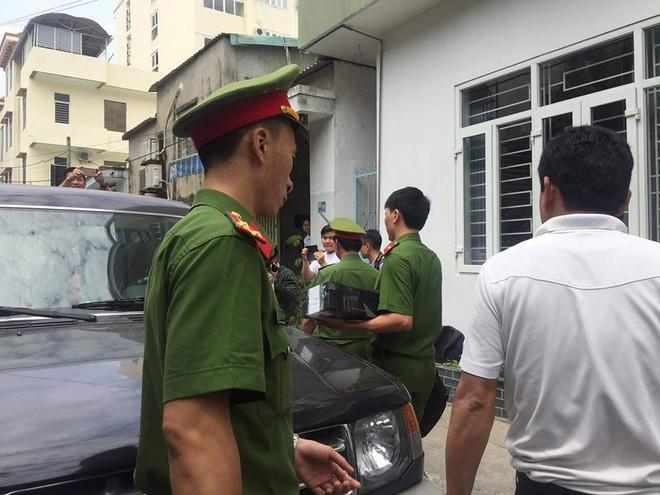 Công an khám xét nhà cựu Chủ tịch Đà Nẵng Trần Văn Minh trong 5 giờ - Ảnh 14.