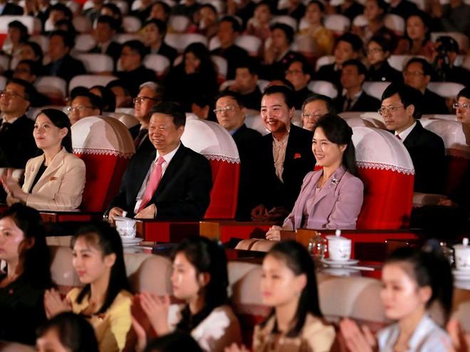 Treo ảnh chân dung ông Tập Cận Bình, Triều Tiên muốn được Trung Quốc chống lưng? - Ảnh 8.