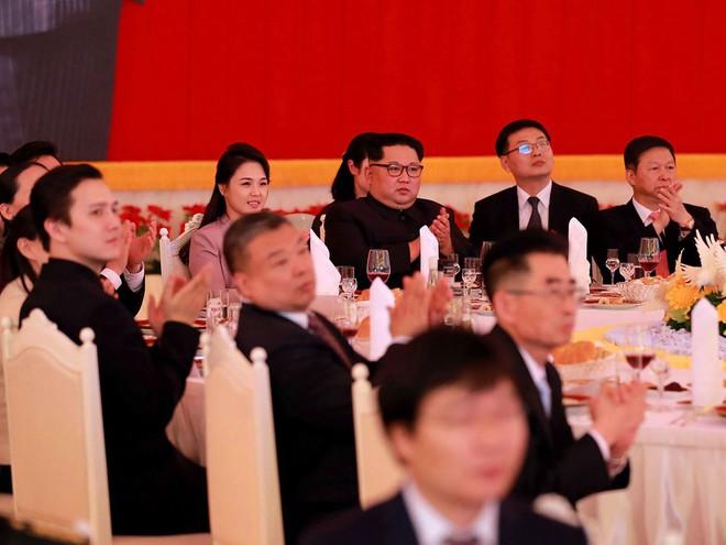 Treo ảnh chân dung ông Tập Cận Bình, Triều Tiên muốn được Trung Quốc chống lưng? - Ảnh 14.