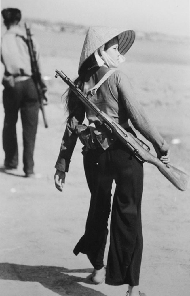 Việt Nam dùng thô sơ thắng hiện đại: 3 khẩu AK hạ gục sứ giả chiến tranh Tomahawk? - Ảnh 2.
