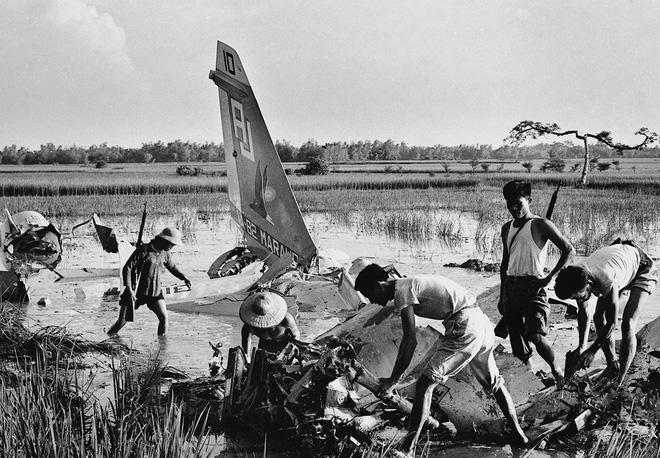 Việt Nam dùng thô sơ thắng hiện đại: 3 khẩu AK hạ gục sứ giả chiến tranh Tomahawk? - Ảnh 6.