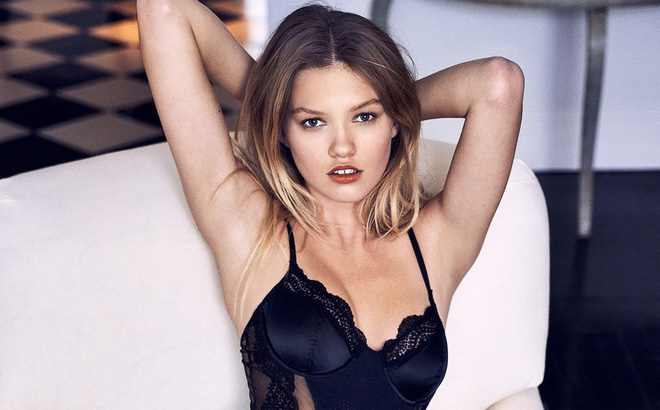 Thiên thần Victoria's Secret bị bắt vì tàng trữ cần sa, có thể ngồi tù 10 năm