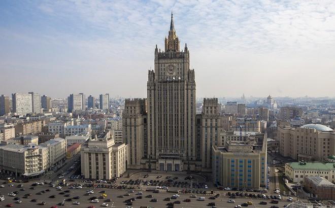 Cuộc chiến ngoại giao Matxcơva - phương Tây: Dân Nga nhiệt liệt ủng hộ chính quyền ra sao?