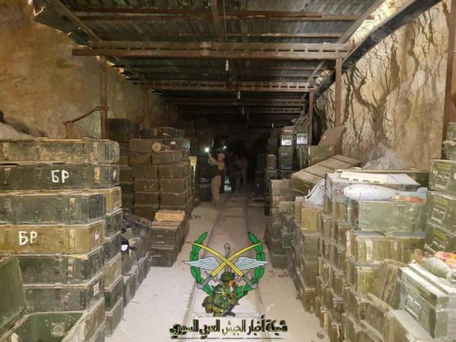 Phiến quân thánh chiến đầu hàng, giao nộp gần 40 xe tăng cho Quân đội Chính phủ Syria - Ảnh 6.