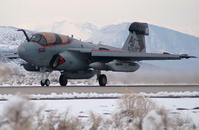 Điểm mặt tất cả máy bay tham gia tấn công Syria: Mỹ dùng loại nào áp chế phòng không Nga? - Ảnh 3.