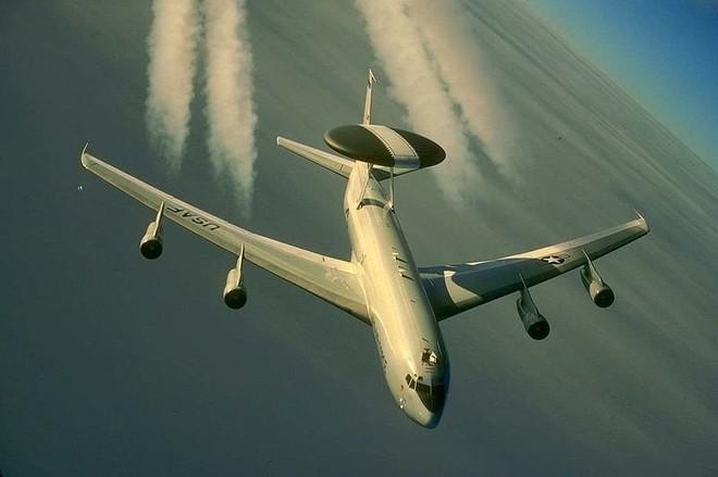 Điểm mặt tất cả máy bay tham gia tấn công Syria: Mỹ dùng loại nào áp chế phòng không Nga? - Ảnh 4.