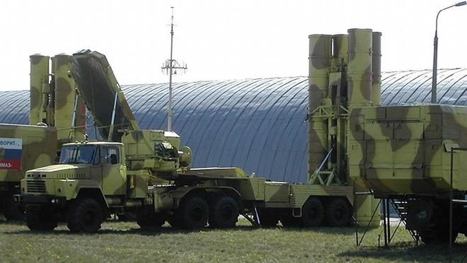 S-300 Nga cấp cho Syria hoàn toàn vô dụng trong chống tập kích đường không của Mỹ? - Ảnh 2.