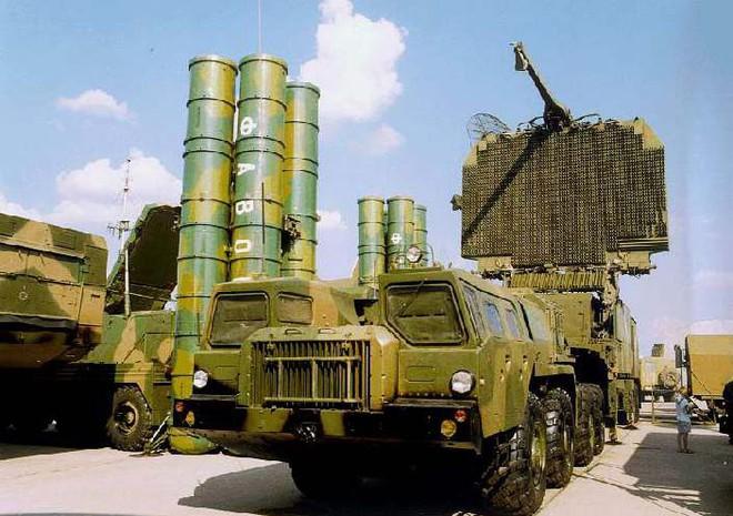 S-300 Nga cấp cho Syria hoàn toàn vô dụng trong chống tập kích đường không của Mỹ? - Ảnh 1.