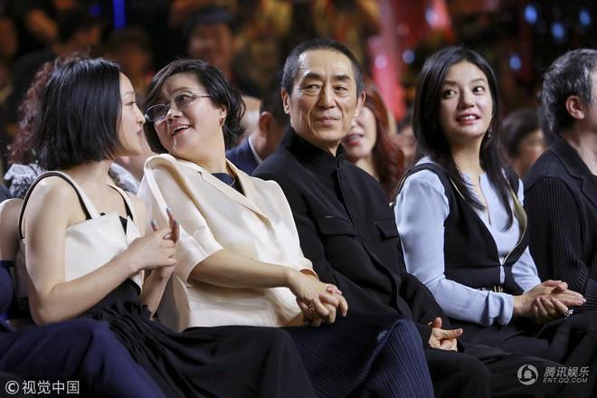 Bị đồn ghét nhau như kẻ thù nhưng Triệu Vy - Châu Tấn bất ngờ thân thiết như chị em - Ảnh 5.