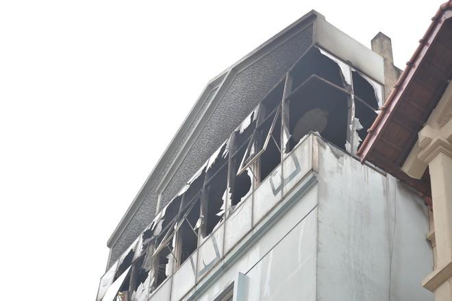 Cháy nhà kho trường mầm non tư thục ở Hà Nội, cô giáo hốt hoảng đưa 50 học sinh tháo chạy - Ảnh 4.