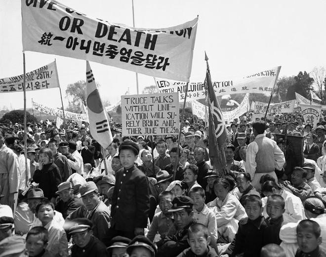 Chiến tranh Triều Tiên: Những người lính Liên Xô mặc quân phục TQ và những người lính Mỹ bị lãng quên - Ảnh 6.