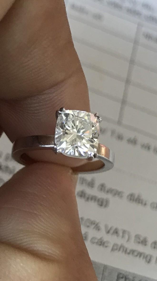 Bảo vệ trộm gần 1.5 tỷ đồng ở chung cư cao cấp khai mua vàng cho bạn gái, người thân - Ảnh 2.