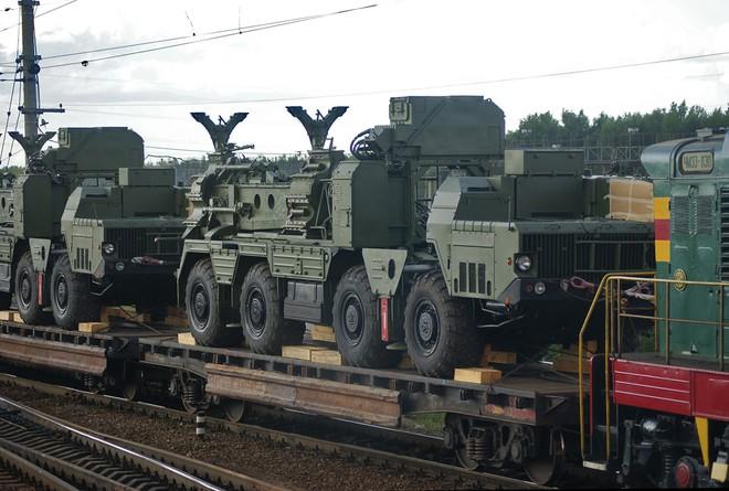 Nga giao tên lửa S-300 cho Syria: Tiêm kích Mỹ, Israel bị phục kích - Ngồi trên đống lửa? - Ảnh 1.