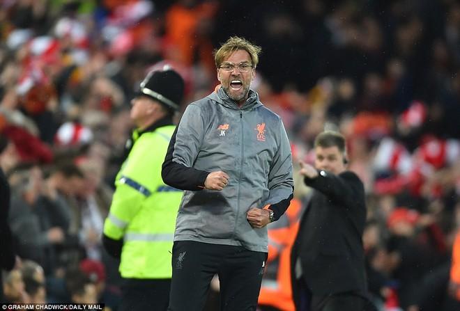 Salah khơi mào cho đêm Liverpool vùi dập AS Roma, khiến Barca tiếc đến ngẩn ngơ - Ảnh 10.