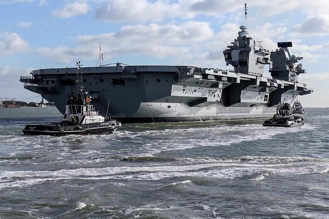 Ảnh: Tàu sân bay mạnh nhất hải quân Anh ra khơi với máy bay quân sự - Ảnh 4.
